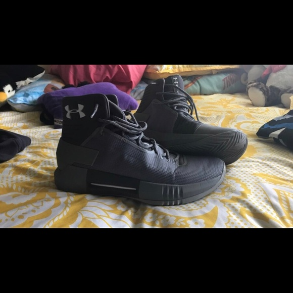 307c033966 UnderArmour Basketball shoes